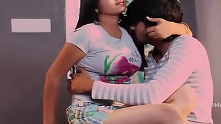 sexy video: Indian Hot Romantic Pinky Bhabhi With His Boyfriend in VIllage