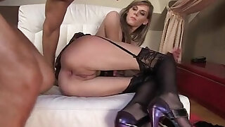 sexy video: Glamour model homemade creampie