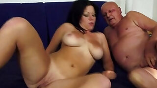 sexy video: Old George is a real ladykiller