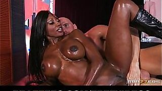 sexy video: Plump amateur anal fisted by oiled African whore